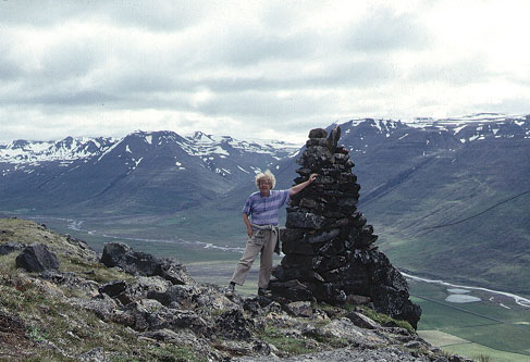 Color photo of author and cairn, larger version.