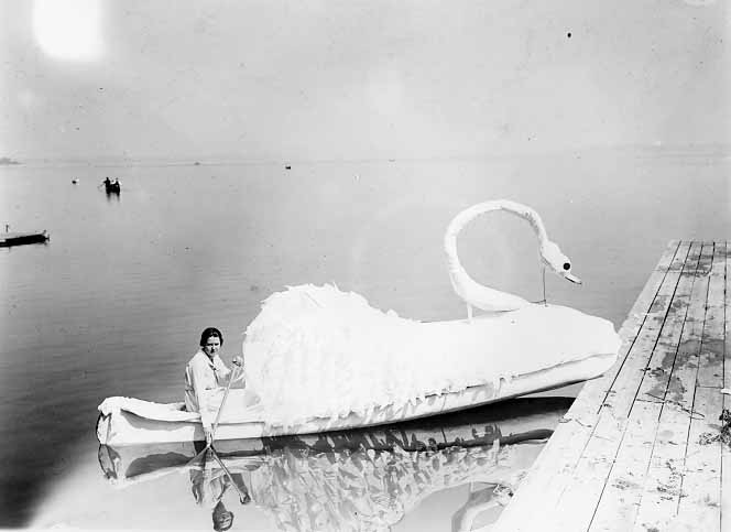 Image of Venetian Night Float 1919