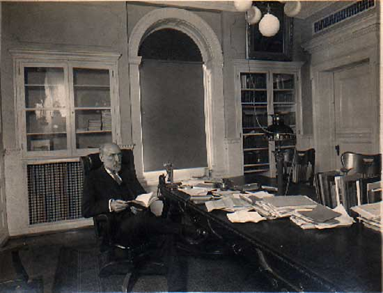 Image of Van Hise in his office