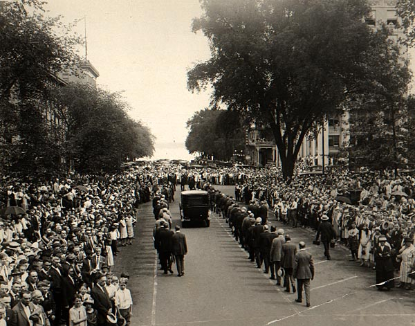 Image of La Follette's Funeral Procession